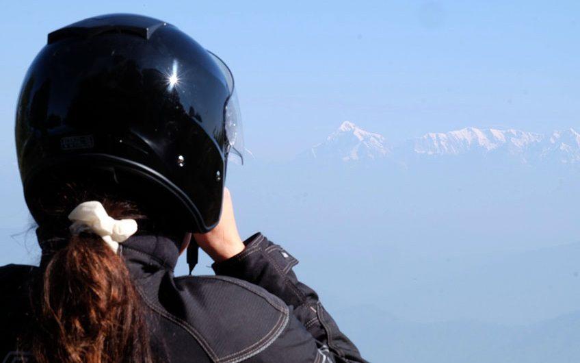 Første glimt av Himalayas snødekte topper